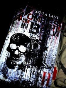 """Rezension """"Zombies in Berlin, Band 2"""" von Skyla Lane"""