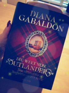 """Rezension """"Die Welt von Outlander: Das Begleitbuch zur Serie"""" von Diana Gabaldon"""