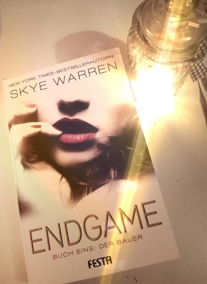 """Rezension """"Endgame – Buch 1: Der Bauer"""" von Skye Warren"""